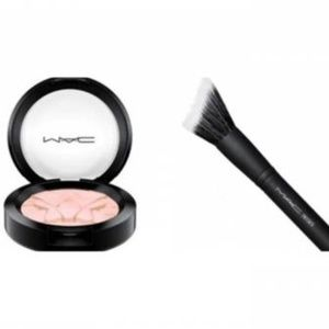 MAC SKINFINISH BEAMING BLUSH & FACE GLIDER BRUSH